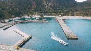 東京から沖縄へ車を輸送できるフェリー便の発着港